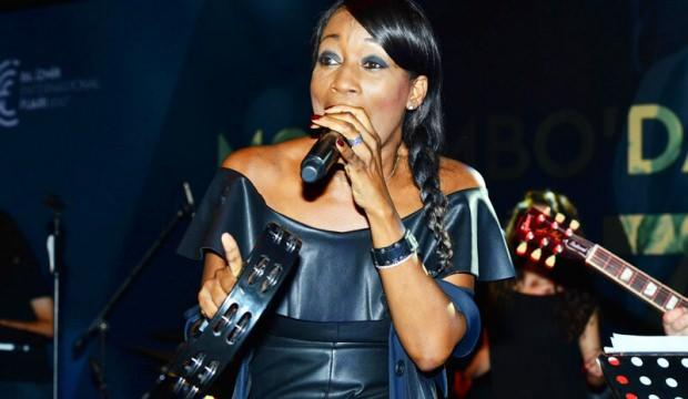 ABD'li ünlü vokalist Della Miles Dalyanlı oldu