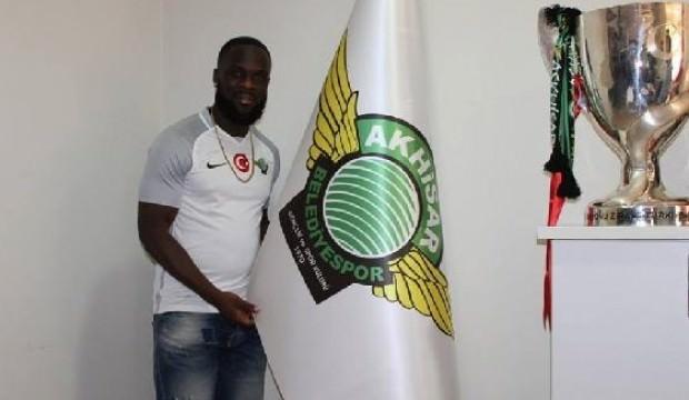 Akhisarspor'da Manu'dan 3 yıllık imza