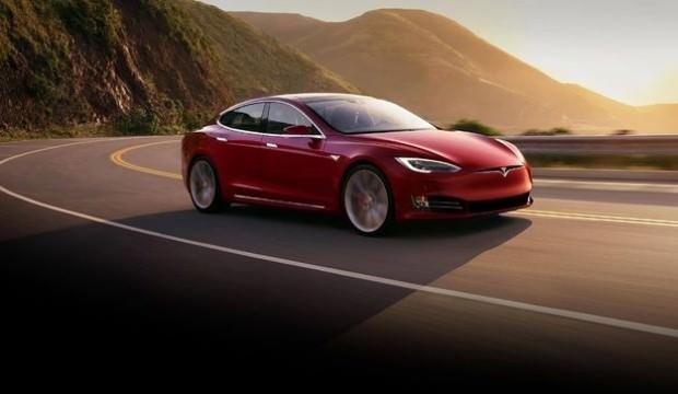 Tesla'nın bataryası iki kez alev aldı