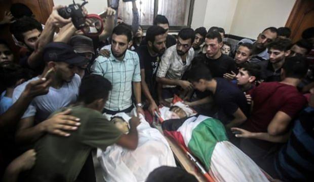 İsrail'in katlettiği çocuklara veda