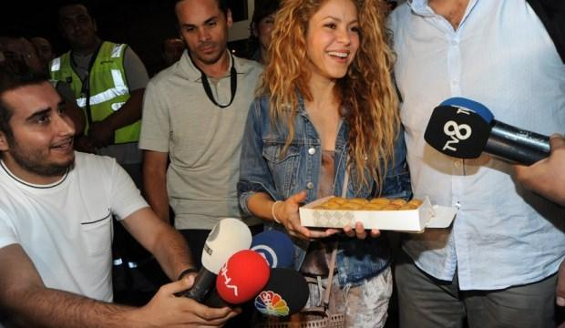 İstanbul'a gelen Shakira'ya baklavalı karşılama