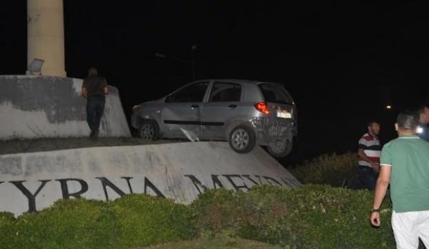 İzmir'de ilginç kaza! Görenler şaşkına döndü