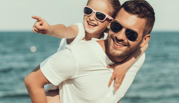 Çocuklar için en trend güneş gözlüğü modelleri