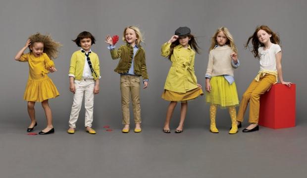 Çocukları minyatür yetişkinler gibi giydirmeyin