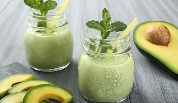 Kilo verdiren avokadolu smoothie