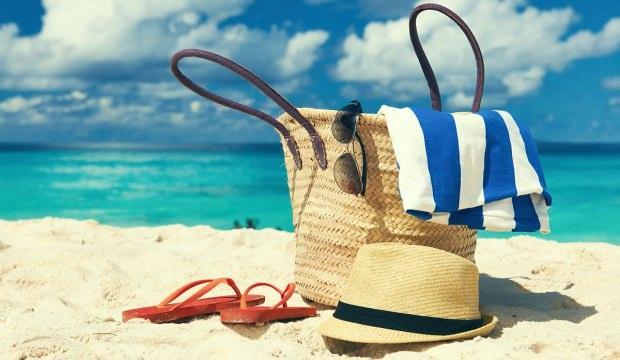 Plaj çantasına ne koyulmalı?