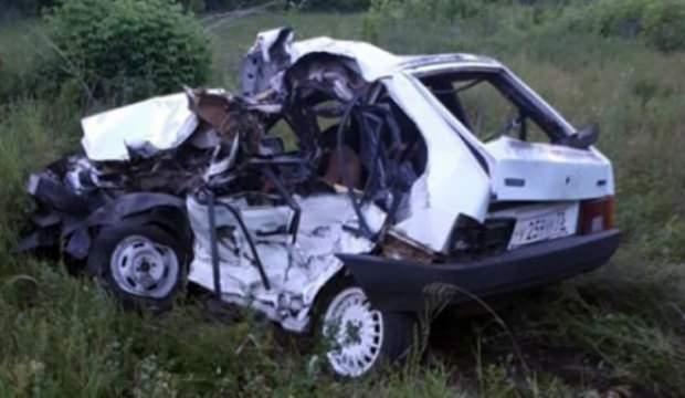 Tataristan'da tren otomobili biçti: 4 ölü