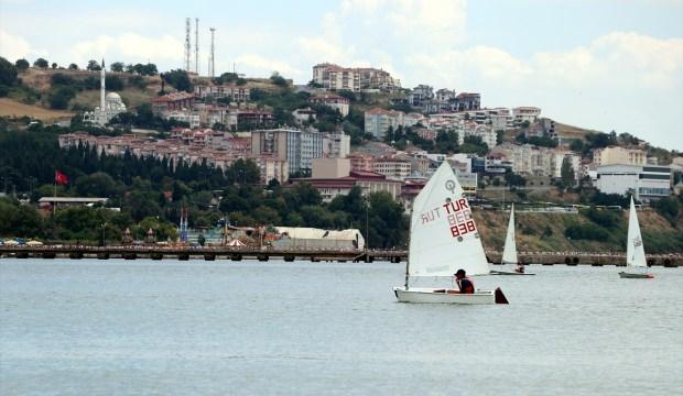 Yelken yaz spor okullarında eğitime devam ediliyor
