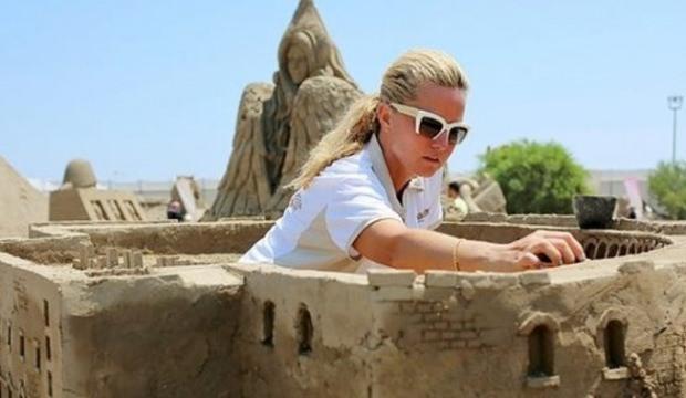 Müge Anlı 30 ton kumla heykel yaptı