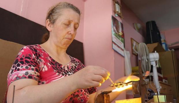 Kadının ticaret zekası! Çin'den ithal edip yeniden yurt dışına satıyor