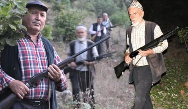 Köyün dibine kadar gelince silahlarına sarıldılar!
