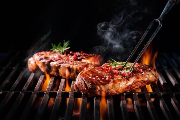 Kırmızı etin faydaları ve zararları nelerdir? Kurban Bayramı'nda uzmanlar uyarıyor!
