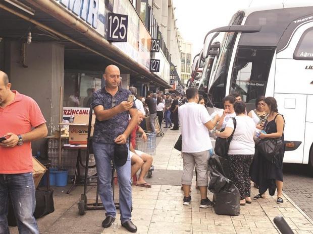 İstanbul-Ankara istikametinde trafik kilitlendi