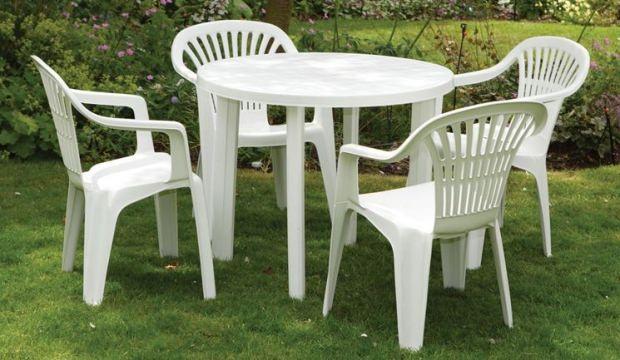Beyaz plastik eşyalar nasıl temizlenir?