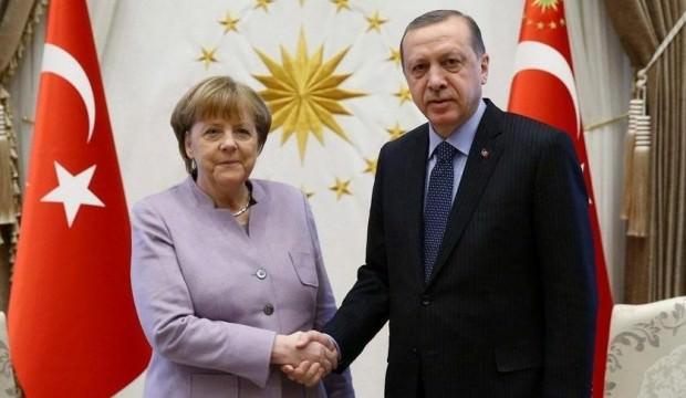 Noktayı koydu! Merkel'den bomba Türkiye açıklaması
