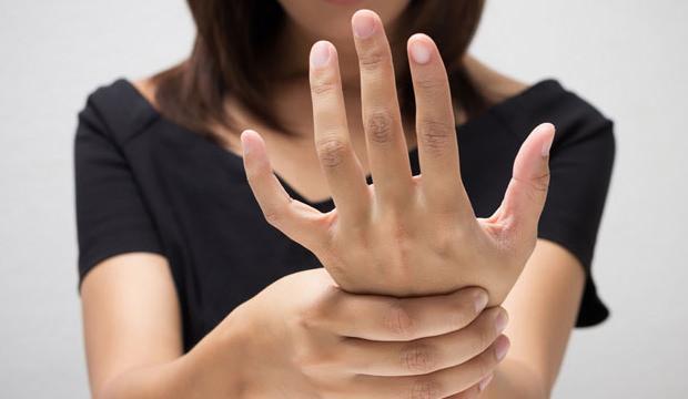 El ve parmak uyuşmasının sebepleri nelerdir? Hangi hastalığın belirtisidir?