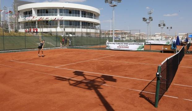 Sporculardan Büyükşehir Tenis Kompleks'ine tam not