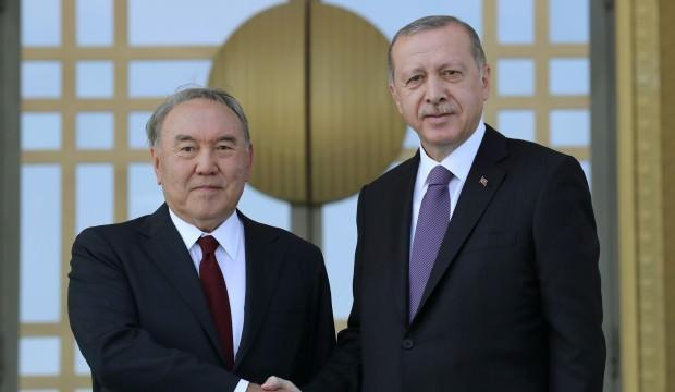 Erdoğan, Nazarbayev'le bir araya geldi
