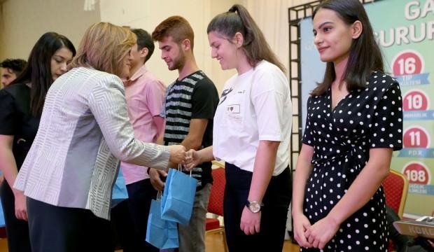 Fatma Şahin başarılı öğrencilerle buluştu