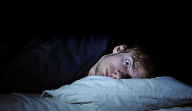 Geceleri uyuyamıyorsanız dikkat! Yastığa başınızı koyar koymaz uyuma formülü!