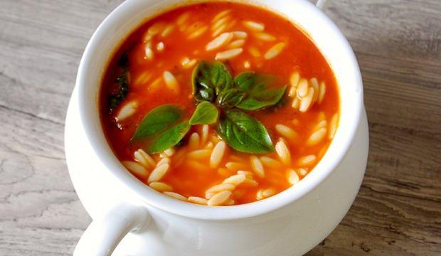 En kolay arpa şehriyeli çorba tarifi