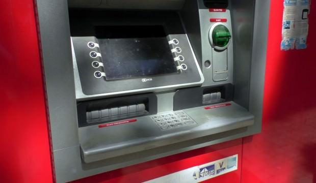 Bankamatikte 4 bin lirasını unutunca...