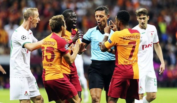İtalyan hakem Galatasaraylıları çıldırttı!