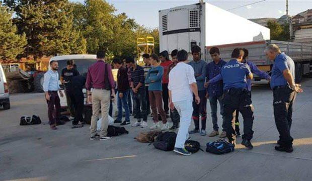 Sivas'ta 22 düzensiz göçmen yakalandı