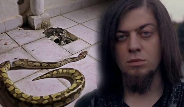 Aref'in Piton yılanı komşusunun evinden çıktı