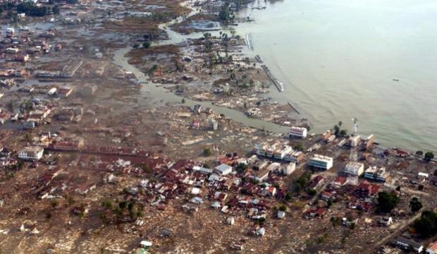 Endonezya'daki depremde ölü sayısı 420'ye yükseldi