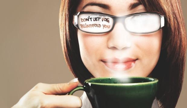 Gözlük camının buharlaşmasına en pratik çözümler