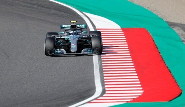 Lewis Hamilton, şampiyonluğa koşuyor!