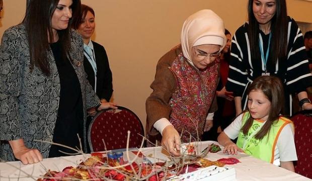 Emine Erdoğan AK Partili kadınlarla bir araya geldi 98