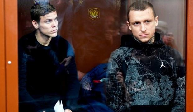 Kamu görevlisine saldıran Rus futbolculara hapis!