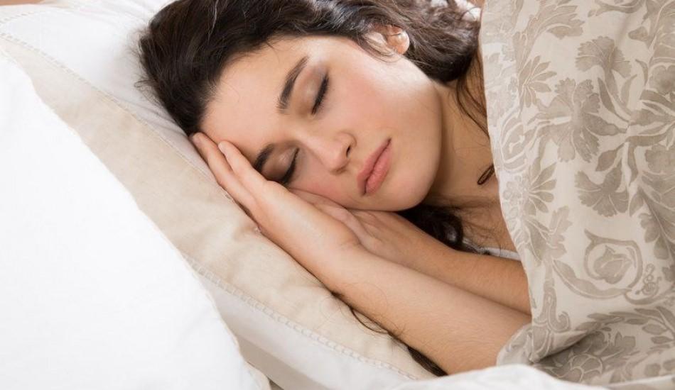 Türkler yan yatıp 7,5 saat uyuyor!