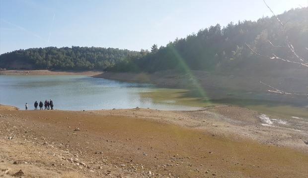 Banaz'da göletlerdeki su seviyeleri düştü