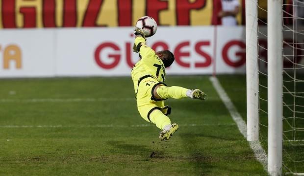 'Bir kaleci için penaltı kurtarmak özeldir!'
