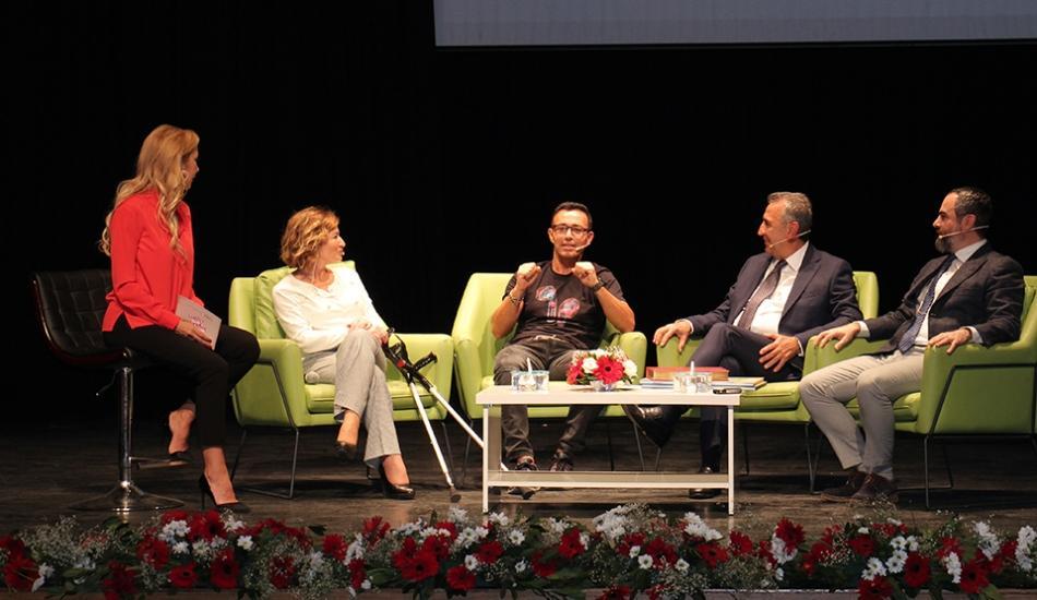 Esenlerli kadınların etkinliğine 'Mustafa Sandal' katıldı