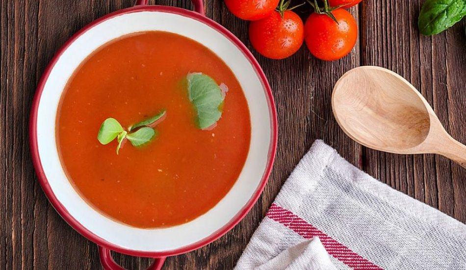 Közlenmiş domates çorbası nasıl yapılır?