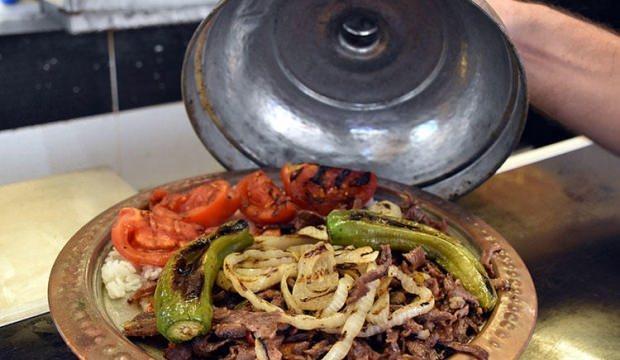 Lezzetinin sırrı sosu: Sebzeli Bodrum döneri