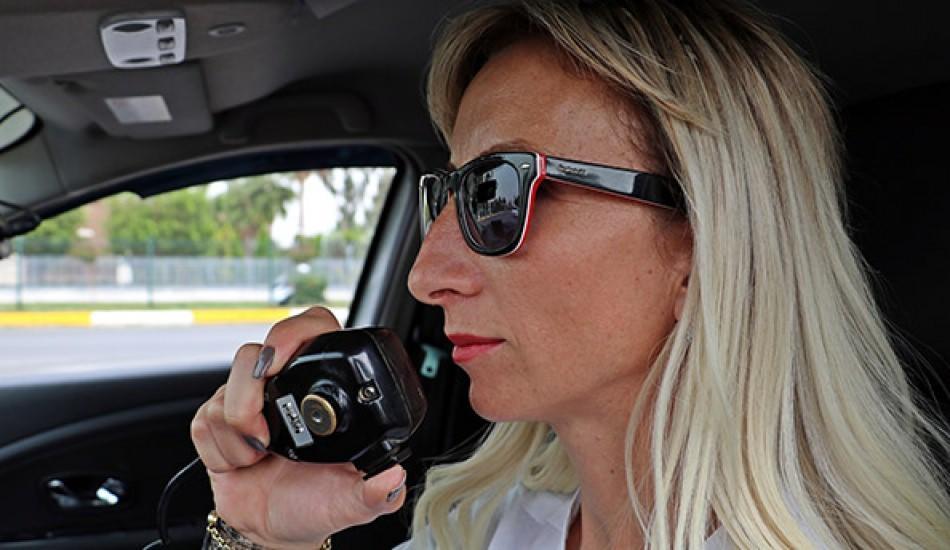 Sürücülerin korkulu rüyası! Kadın radar görevlisi