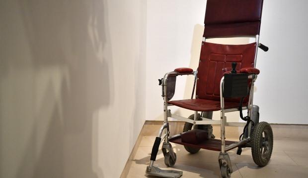 Hawking'in tekerlekli sandalyesi 1.2 milyon TL!