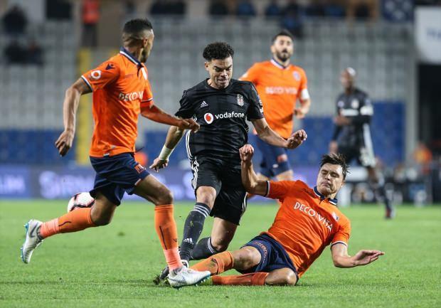 Başakşehir evinde Beşiktaş'ı devirdi!