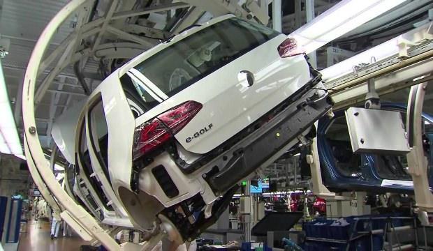 Alman otomobil üreticileri frene bastı!