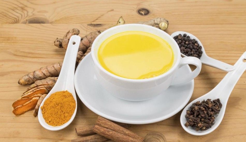 Altın süt nedir ve faydaları nelerdir? Gece yatmadan önce bir bardak içerseniz...