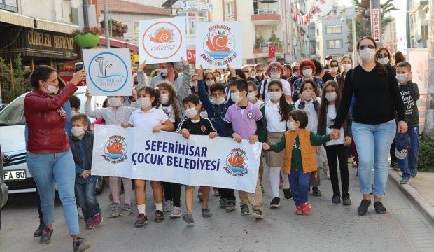 Seferihisar'da lösemili çocuklar için yürüyüş