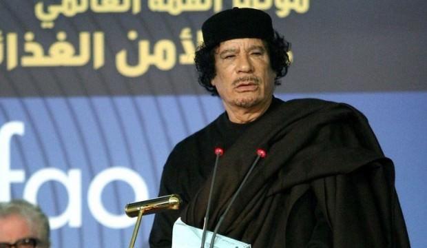 Kaddafi'nin iç edilen paralarının peşine düştüler!