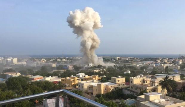 Somali'de art arda patlama: Çok sayıda ölü var