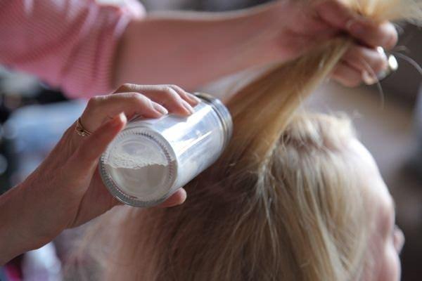 bebek pudrası saça nasıl uygulanır