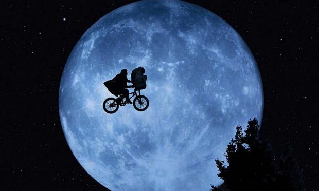 E.T. / Extra – Terrestrial
